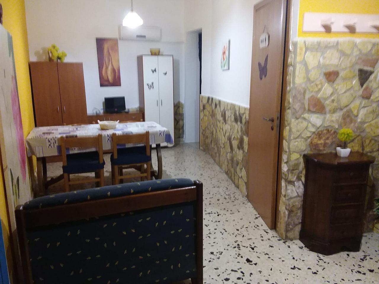 Copertina annuncio affitto in Palermo
